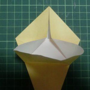 折り方手順・・・開いたので折っている状態です