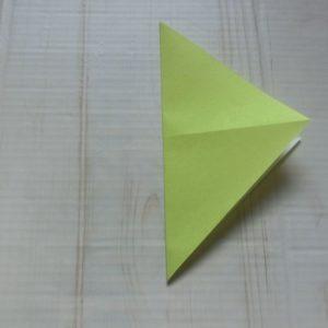 ネクタイ折り方・・・たて半分に三角に折りました