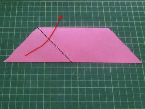 ハートの折り方説明・・・三角を折りあげます