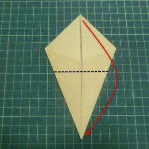 折り方手順・・・角を合わせるように折ります
