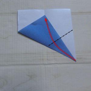 六角形の折り方・・・右の角も中心線に合わせて折ります