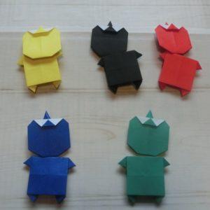 赤、青、黒、黄、緑、5色の鬼を折りました