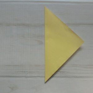鬼の顔の折り方・・・三角に折ります
